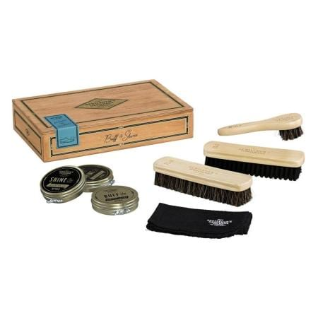 Gentlemen`s Hardware Cigar Box Shoe Shine Kit