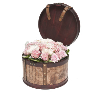 Bed of Roses (Large Hat Box) Available Sydney Only
